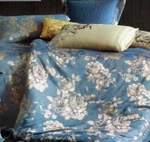 """Двухспальное постельное бельё-Евро """"Золотые розы на голубом"""""""