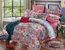 """Двухспальное постельное бельё-Евро +4 наволочки """"Венецианский принт на розовом"""""""