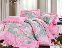 """Полутороспальное постельное бельё """"Зелёные огурцы с розовой оборкой"""""""