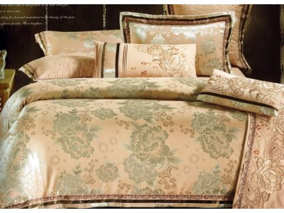 """2-х спальное постельное бельё-Евро """"Зелёные цветы на золотом"""", 305651"""